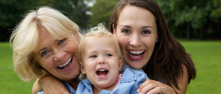 Bewegung und Sport im Freien mit der Familie
